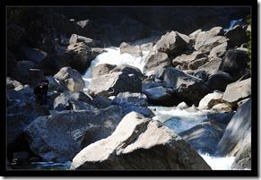 Gewalltiger-Fluss