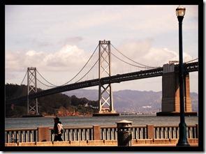 Gewaltige-Brücke
